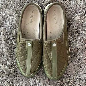 Easy Spirit comfort slip on shoes olive green